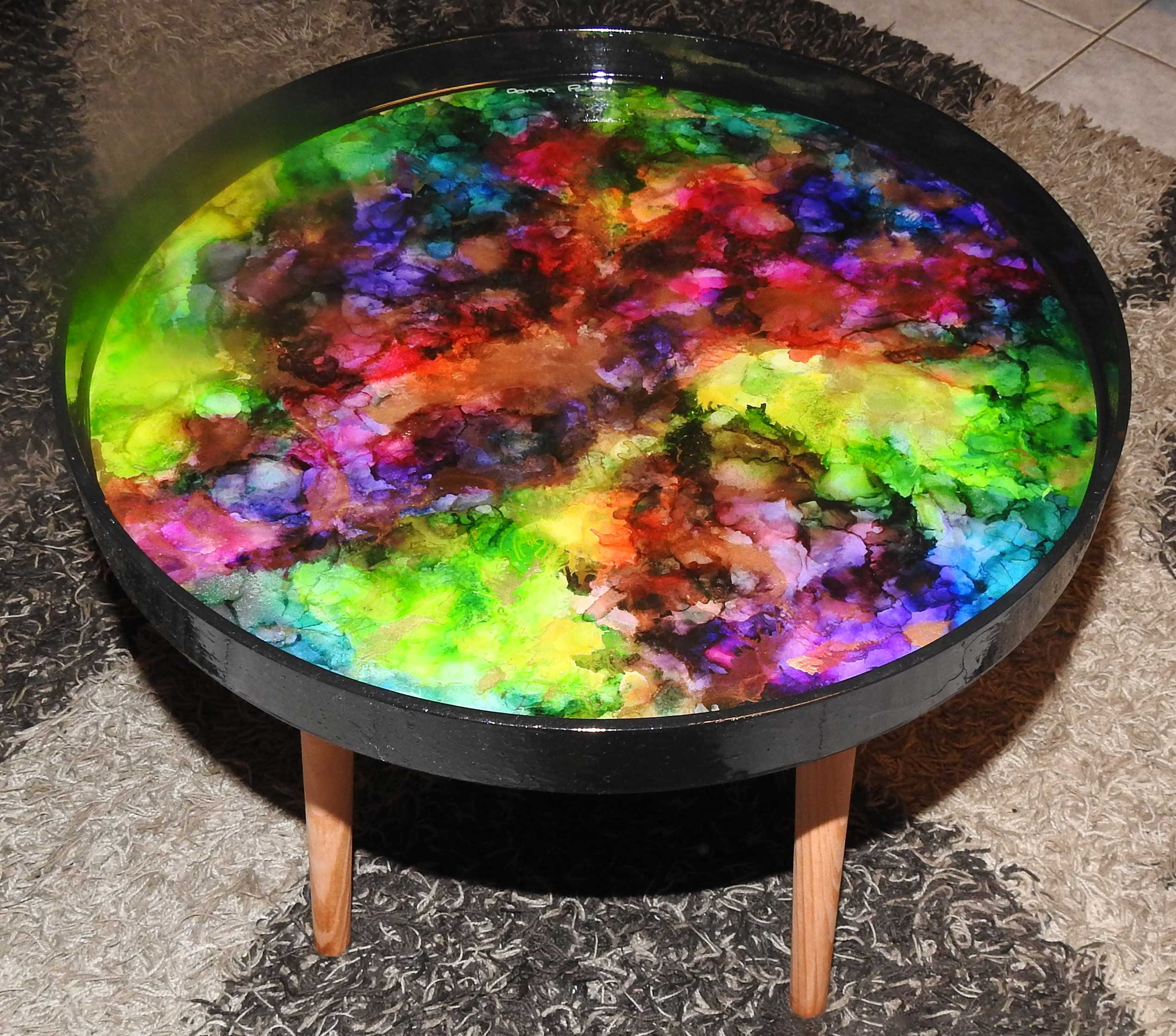 Approx. 48 cm Black round ink and resin table